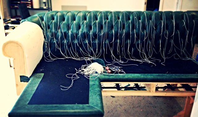 Custom made #green Chesterfield sofa. #bertoprogetti #madebyhand #madeinitaly