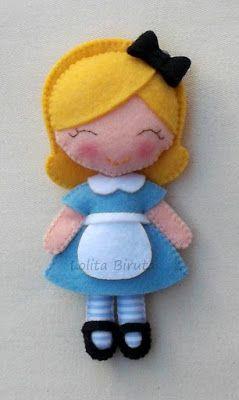 Alice em feltro para lembrancinhas