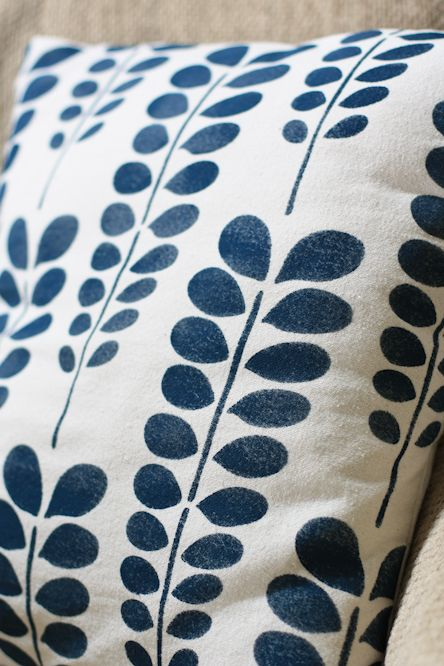 Stenciled throw pillow tutorial- I'd just use a different pattern. The cover is just a drop cloth!