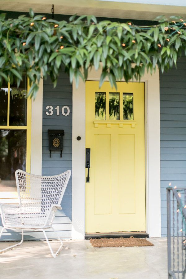 Yellow door: http://www.stylemepretty.com/living/2015/10/15/jess-lively-home-tour-and-behind-the-podcast/ | Photography: Love, The Nelsons - http://www.soshayblog.com/
