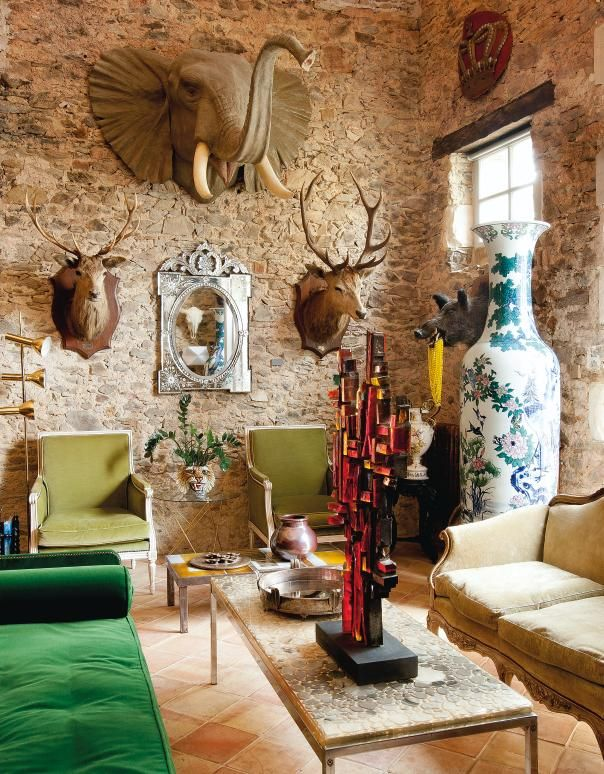 This Quirky Room Makes You Feel Like Are In A Fairy Tale Through The Decorative