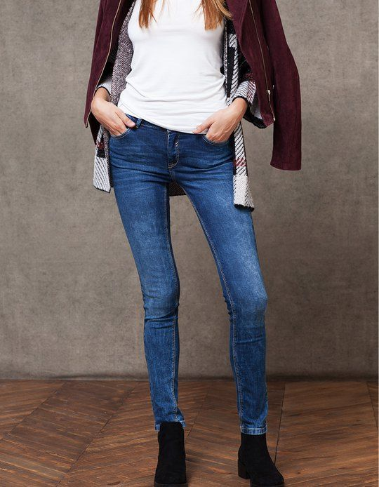 At Stradivarius you'll find 1 Skinny fit jeans for woman for just 179.9 HRK . Visit now to discover this and more JEANS.