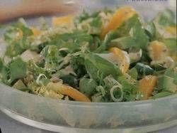 Gemengde Salade Met Avocado, Sinaasappel En Paprika recept | Smulweb.nl