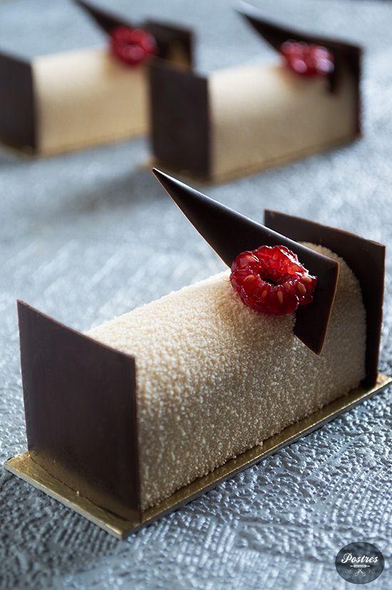 Bavaroise de Turrón, Frambuesa, Anís y Chocolate
