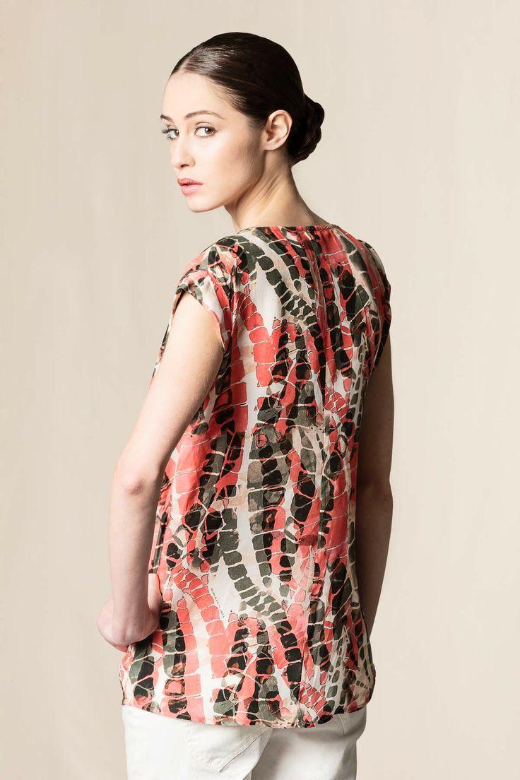T-shirt seta stampata. #fashion #robertascarpa #shoponline