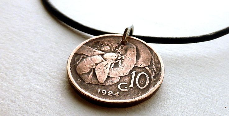 Italian necklace, Coin necklace, Insect necklace, Bee necklace, Coin jewelry, Insects, Coins, Leather necklace, Men's necklace, Italy, 1924 by CoinStories on Etsy