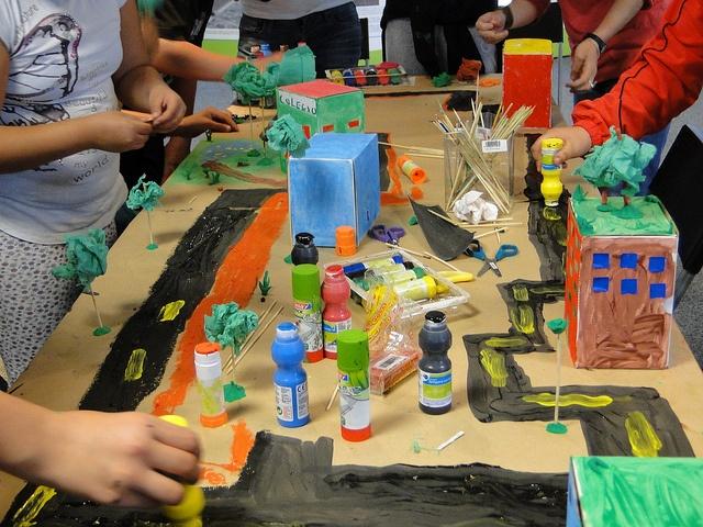 Talleres infantiles de diseño de ciudad en Valdebebas, con Chiquitectos