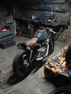 When Emanuel builds a bike he does it right. This bike looks nothing short from perfection. He has built this HONDA CAFE RACER to exactly what it should be.