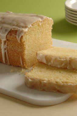 Feiner Eierlikör Kuchen Ein schneller Kastenkuchen mit Eierlikör zum Kaffeetrinken