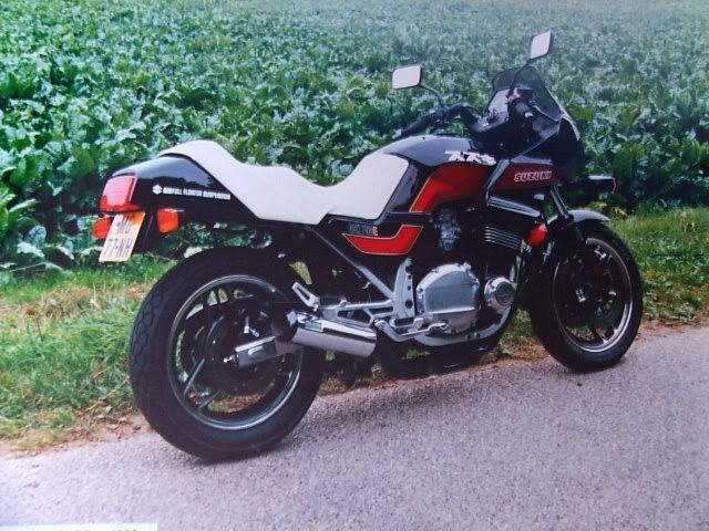 suzuki gsx 750 es fotos de motos pinterest suzuki. Black Bedroom Furniture Sets. Home Design Ideas