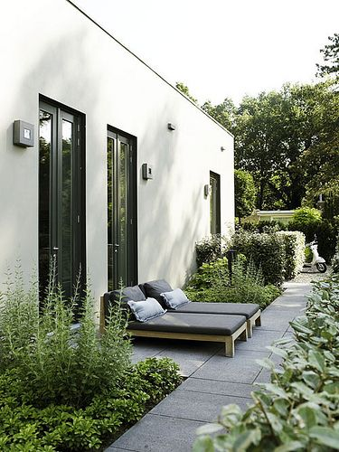 10 BEAUTIFUL OUTDOOR AREAS via the style files