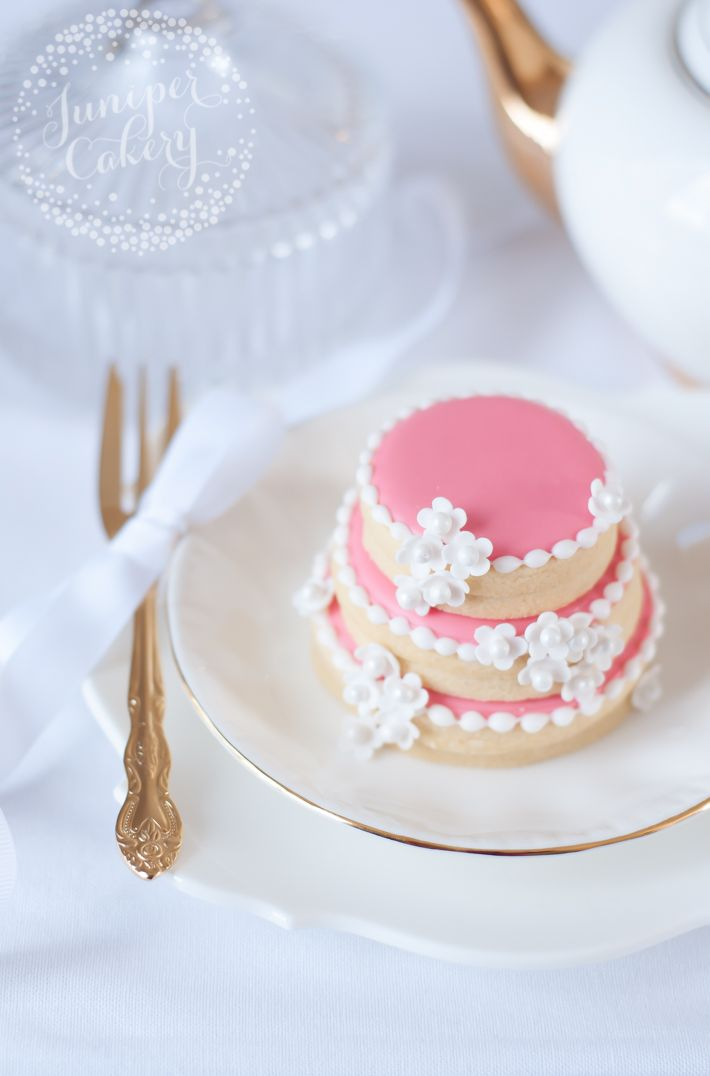 Step by step tutorial for fun wedding cookies