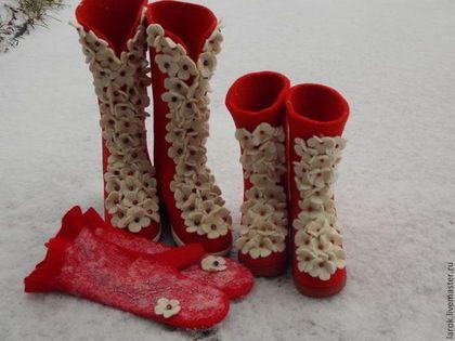 """Обувь ручной работы. Валенки для улицы """"Цветочная пена"""" для мамы и дочки."""