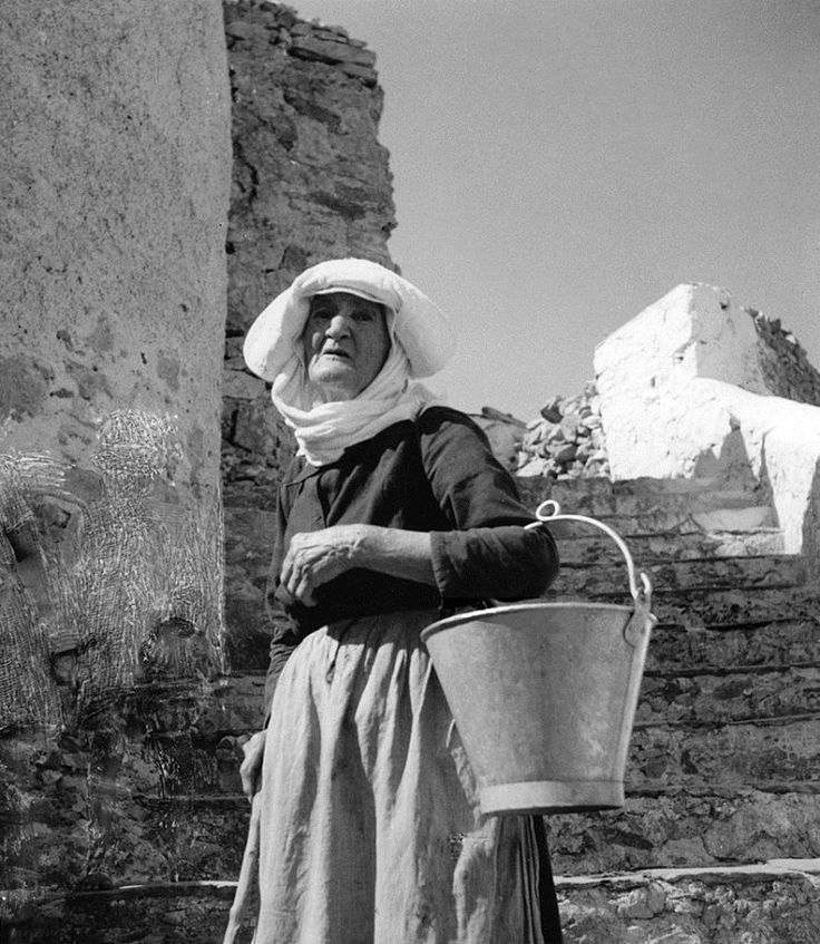 Σέριφος, 1935, γερόντισσα