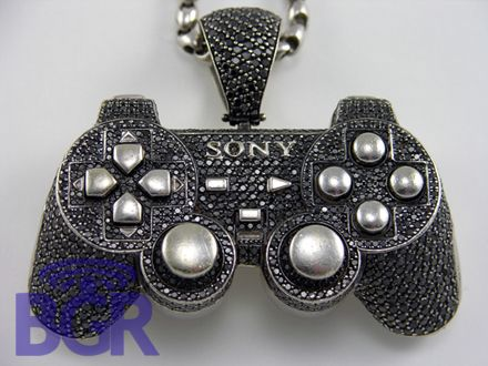 I mean this is just cool right!: Ps Control, Gamer Girls, Diamonds Encrust, Diamonds Jewellery, Games Control, Black Diamonds, White Gold, Control Chains, Bling Bling