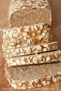 Pane integrale ai semi di girasole, sesamo e zucca -