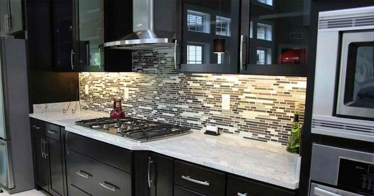 River White granite countertops can also look excellent with darker cabinets. Because of the vast number of red mineral deposits in this granite, they are easily visible regardless of the color of your cabinets.