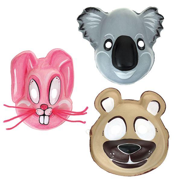 Sinellistä löydät paljon erilaisia koristeltavia naamioita sekä hurjasti erilaisia materiaaleja naamiaisasujen valmistamiseen ja koristeluun.