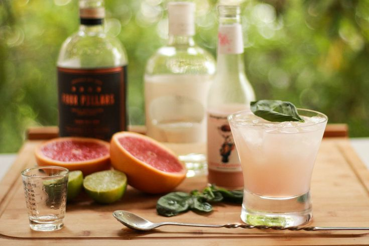 GIN & POMEGRANATE STIR: Midweek mayhem giving you a case of the weekday blues? sounds like you need a drink! sit back and enjoy a 'Lady of Leisure', mixed with Four Pillars Rare Dry Gin, Mastiha, lime juice and Strange Love Bitter Grapefruit. Recipe on the blog.