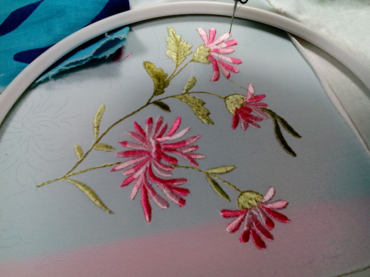 Вышивка гладью хризантемы