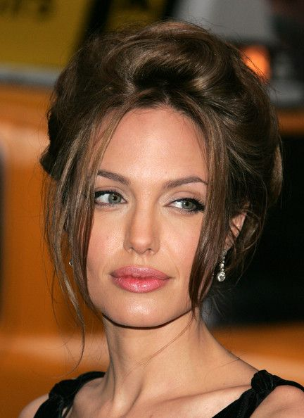 "Angelina Jolie Photos - Paramount Vantage Premiere Of ""A Mighty Heart"" - Arrivals - Zimbio"