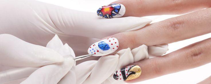 Vi affacina la pop art? Avete mai pensato di realizzare una manicure perfetta a prova di colore? Non vi resta che seguire il tutorial!
