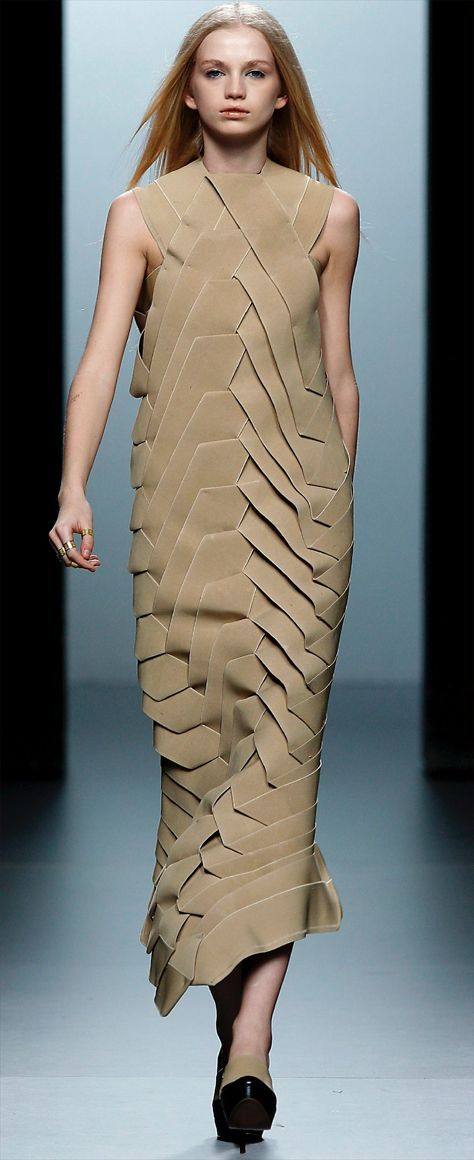 Foto de una modelo de la Cibeles Madrid Fashion Week