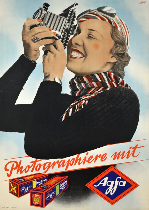 """""""Photographiez avec Agfa !"""" : slogan d'une publicité des années 30 pour les pellicules Agfa."""