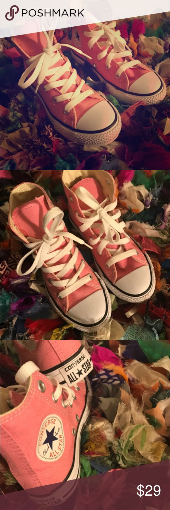 Pink high top converse (NWOT) BRAND NEW🚨 High top style constructed with a sturdy canvas upper lace-up closure, signature Chucks rubber cap toe offers protection and durability. Converse rubber outsole provides flexible traction. Converse Shoes Sneakers