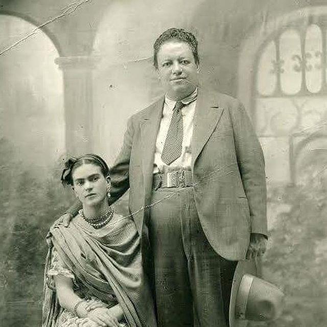 金曜日のインスピレーション。フリーダ カーロとディエゴ リベラ。❤️ Photo via @museofridakahlo