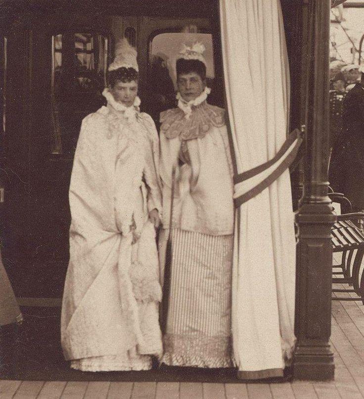 Tsarina Maria Fyodorovna and sister, Princess Alexandra of Wales. Early 1890s.
