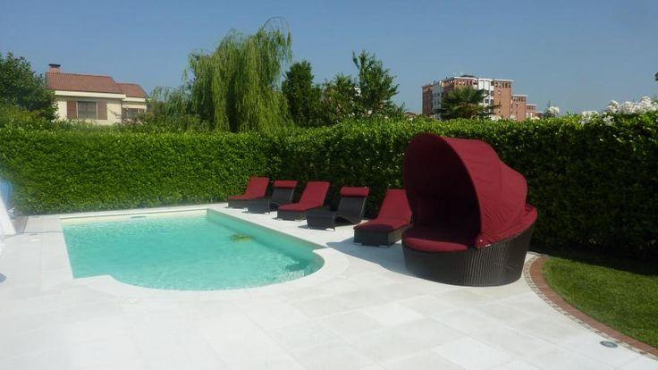 Cuscineria per esterni. Cuscini per vivere i vostri giardini. #arredo #giardino