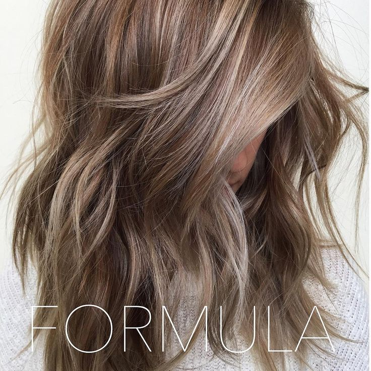 Thank you to the overwhelming positive response from this photo! ** DISCLAIMER: please keep in mind that everyone has a different canvas and results will vary.** . Foiled with Kevin Murphy 30v @brazilianbondbuilder  What was left in between foils I colored with 8n and 8v redken shades eq. Processed until pale blonde. Root smudge: redken shades 6n.  Blonde gloss: 8v with clear redken shades. Processed for 10-15 minutes ✌️ ** all redken formulas include equal parts of processing solution.**
