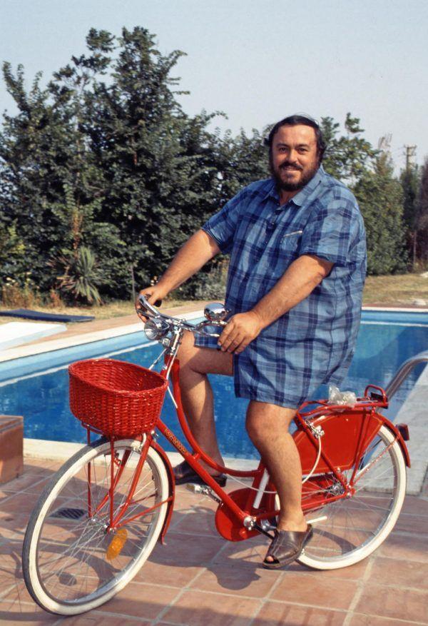 Luciano Pavarotti Bike cyclist, I want to ride my