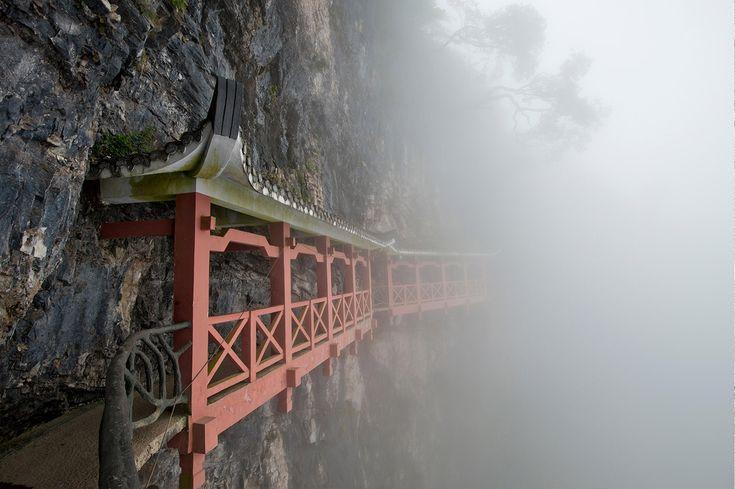 Al borde del abismo - La magia natural de China: enamórate de Tianmén y Zhangjiajie