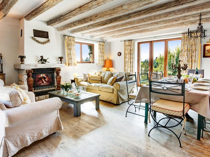 Explore the Rhone valley and the Ardeche from luxury Mas du Golf Albon farmhouse - golf course, swimming pool, terraces and garden. Lyon airport 1hr