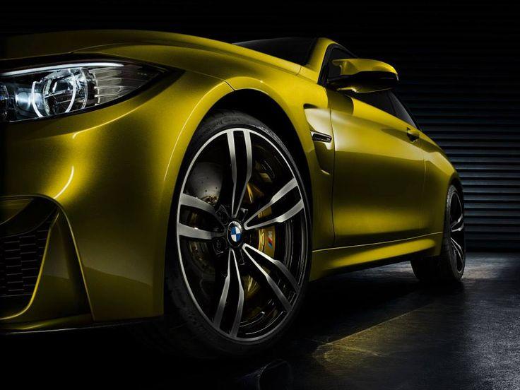 BMW Concept M4 Coupe  Exterior Paint Color: Aurum Dust