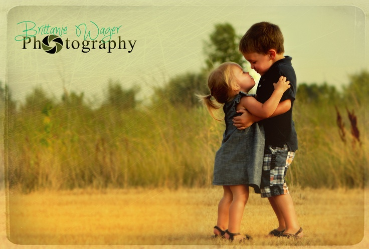 I just LOVE this moment!!!    Children photography.   family photography.  brother and sister photography.  photo- Brittanie Wager Photography.
