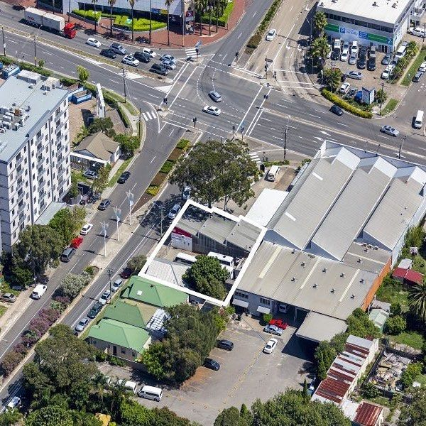 McGrath are delighted to offer 113-117 Robey Street, Mascot to the market. The property comprises an unheard of offering of three contiguous lots, with an approximate frontage of 32 metres. The redevelopment of the site will provide a potential for unrestricted CBD and district views, coupled with close proximity to Sydney Airport. For more information please get in touch by phone on 0425 255 200 for details on this property. #marnieseinor #mascot #commercialproperty #mascot #propertysales…