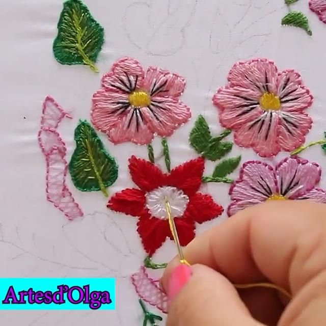 Aquí te muestro un bordado de bouquet con flores. Diy Embroidery Designs, Ribbon Embroidery Tutorial, Embroidery Patterns, Stitch Patterns, Vintage Embroidery, Hand Embroidery Videos, Types Of Embroidery, Cross Stitch Embroidery, Learning To Embroider