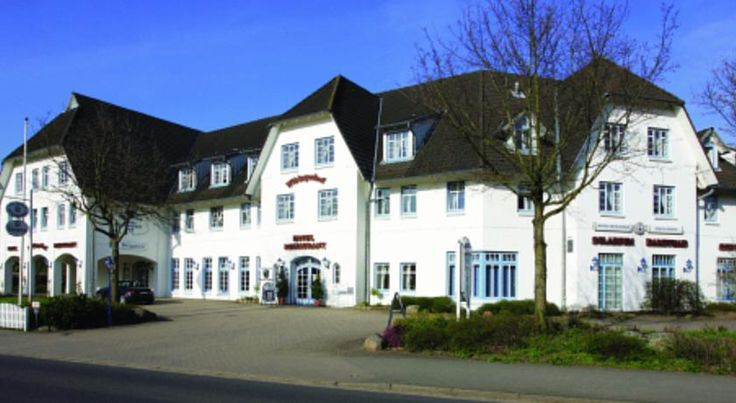 Hotel Wikingerhof Kropp This Frisian-style hotel in the town of Kropp in Schleswig-Holstein is surrounded by peaceful countryside, only a 30-minute drive from the Baltic coast and 40 minutes from the North Sea.