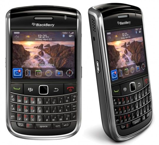 Another creation of the RIM BlackBerry is, BlackBerry Bold 9650 and it's a very good looking smartphone.