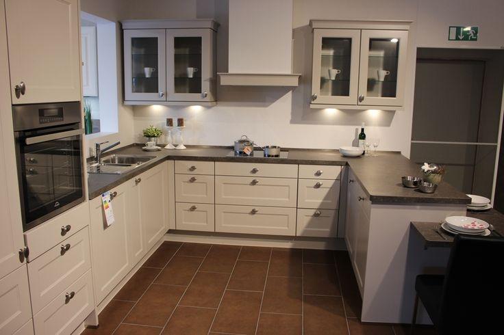 Moderne Nobilia Landhausküche in Lack, Sand matt u2026 Pinteresu2026 - nobilia küchen preisliste