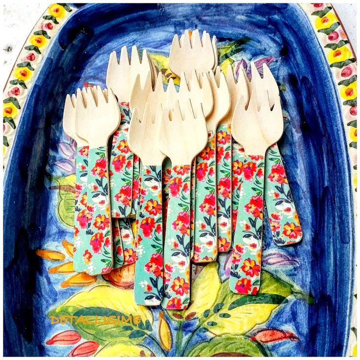 tenedores de madera pequeños decorados con estampado de flores (10.5 cms) Pedidos y catálogo: detallisime@yahoo.es