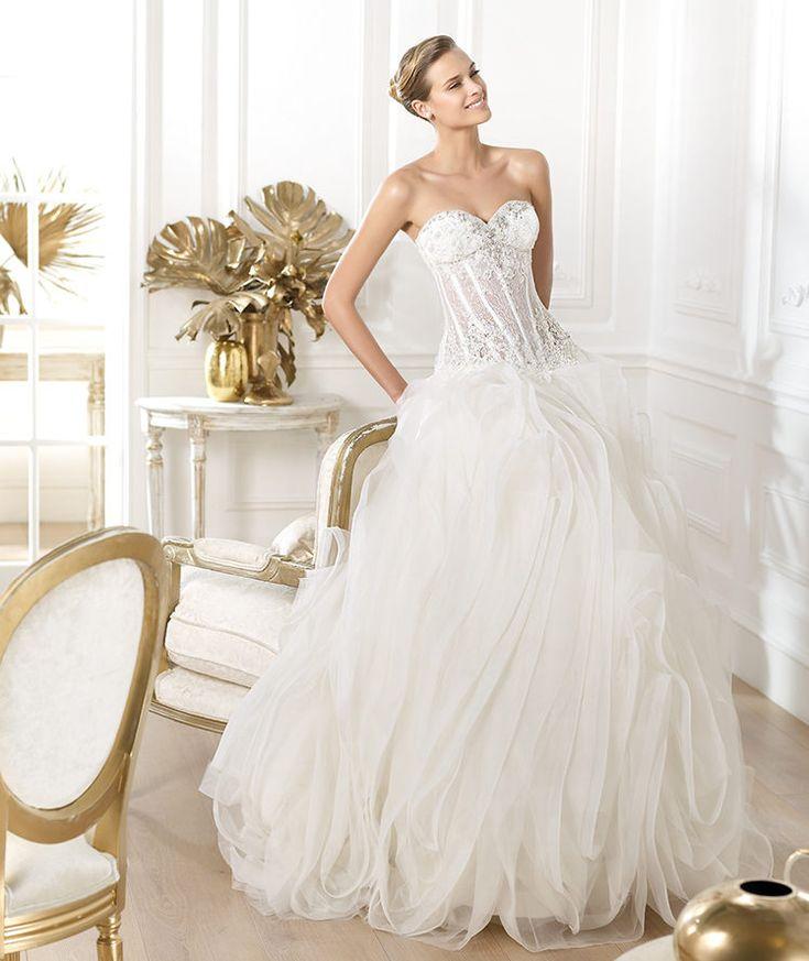 Mestads Bridal September's Designer of the Month features Pronovias #weddinggown #ballgown