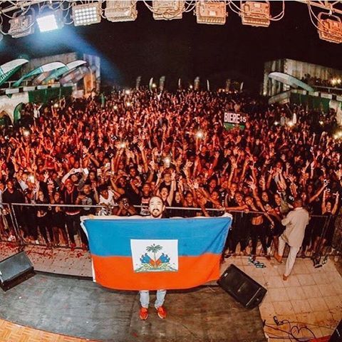 "Holiday Vibe In Haiti ! 🇭🇹🇭🇹🇭🇹 DJ Steve Aoki : ""Crowds like this make me never want to stop touring. Thank u Haiti 🇭🇹 for my first show in your country!!"" 👌🏼💥💯  International DJ Steve Aoki is in Haiti: ""Crowds like this make me never wanna stop touring. Thank u #Haiti 🇭🇹 for my first show in your country!! Steven Hiroyuki ""Steve"" Aoki is of Japanese descent (born November 30, 1977) born in Miami, Florida, and grew up in Newport Beach, California. Is an American electro house…"