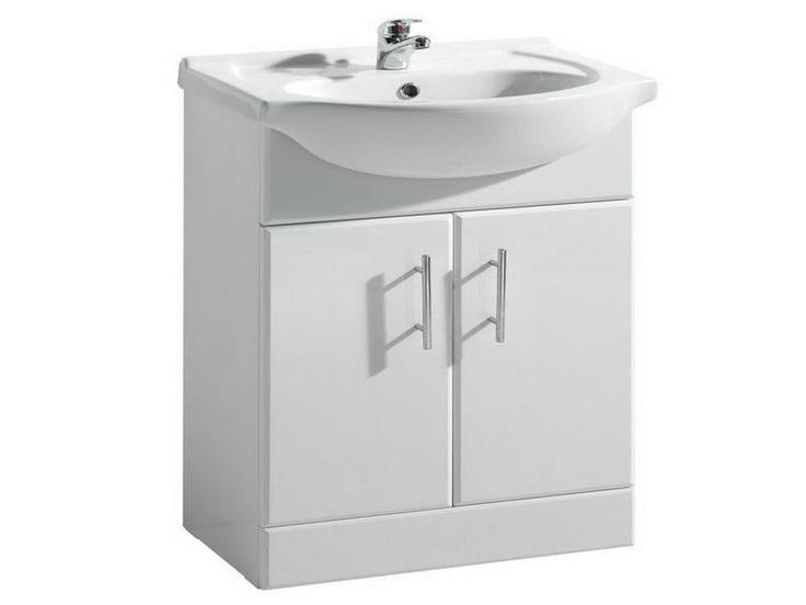 25 Best Ideas About Small Pedestal Sink On Pinterest