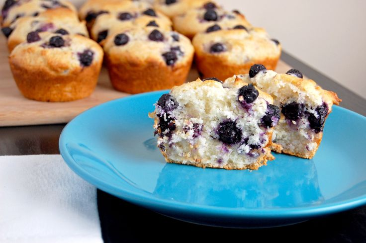 A no-mixer, gluten free blueberry muffin! Comes together in seconds and just bursting with flavor! Truth time: I spent the first 22 years of my life hating blueberries. I hated the texture and the …