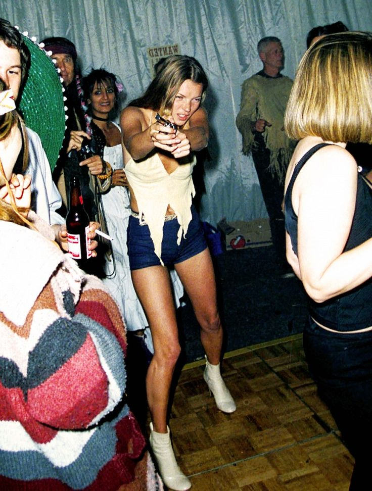 Kate Moss looking fierce at Ronnie Woods' 50th birthday party // #Celebrity #KateMoss