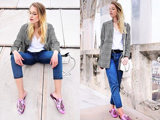 Get this look: http://lb.nu/look/8725803  More looks by TripByTriplets B.: http://lb.nu/tripbytriplets  Items in this look:  Mango Shoes, Levi's® Jeans, H&M T Shirt, Zara Jacket, Lilou Jewelry, Gucci Eyewear, Zara Bag   #casual #retro #vintage #girl #zara #gucci #levis #moccasin #pink